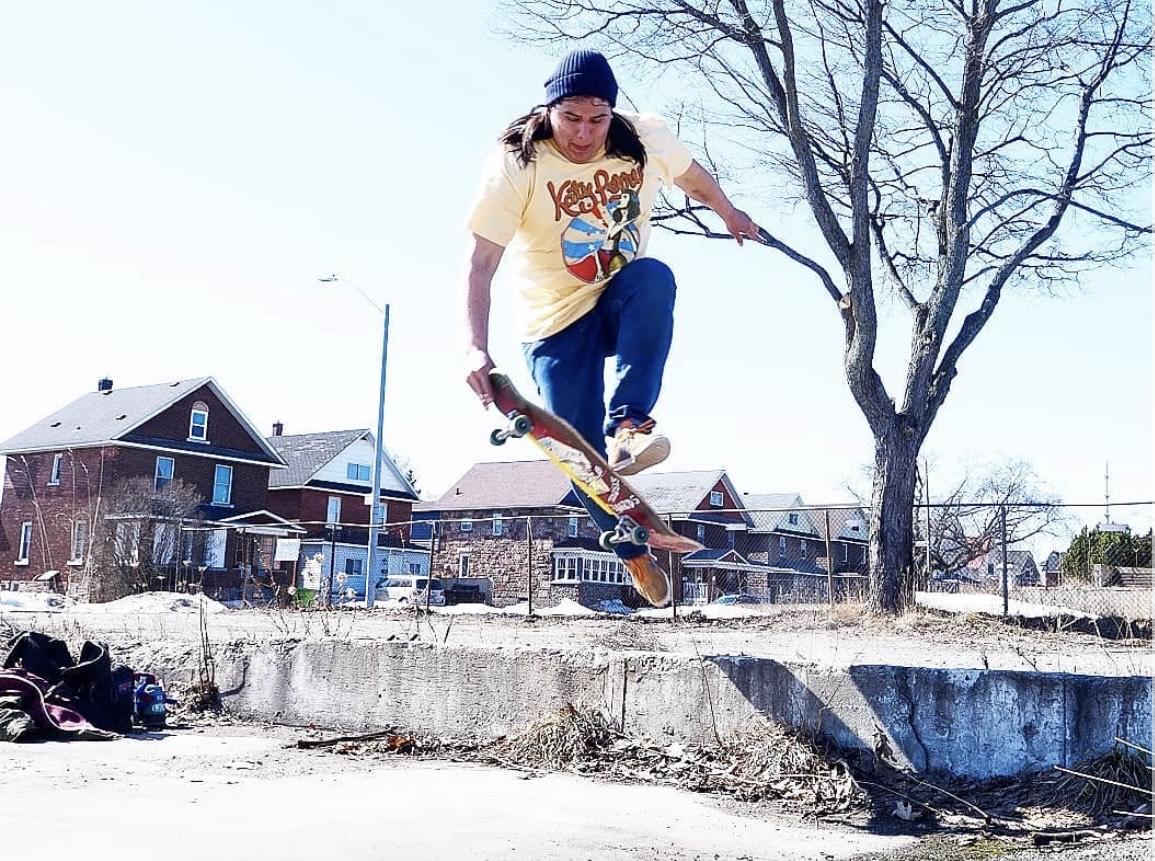 Dustin Laurence - Troubl3 Skateboards