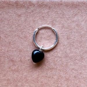 Image of Silverörhänge onyx hjärta