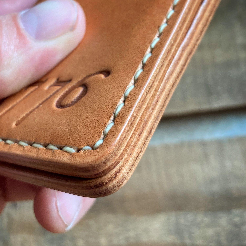 Image of Vertical Card Wallet - Raw Hermann Oak - 1776