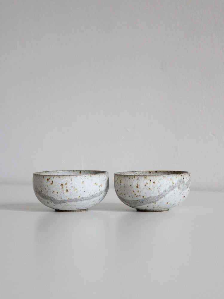 Image of set of small pots