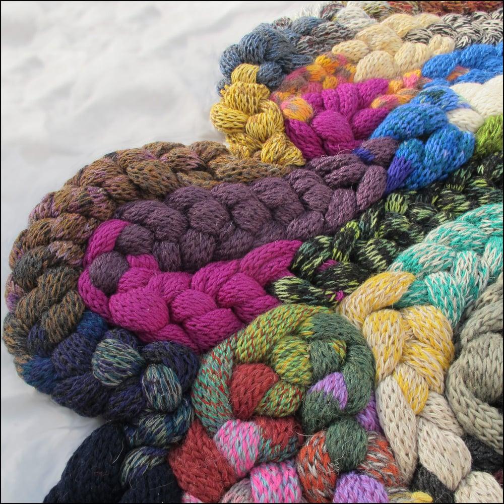 Patternix Eccentric Knit Amorphous Thick Rug