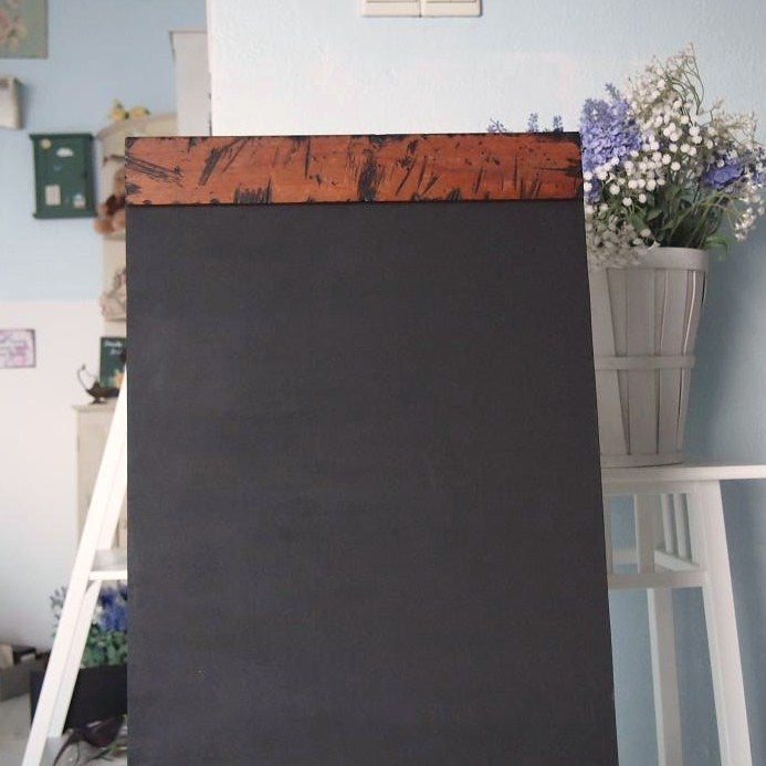 Image of Burnt Wood Chalkboard (straight top border)Size 1