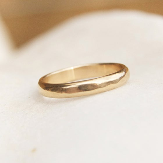 Image of Gentle flow Gold ring