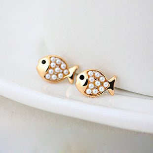 Image of Cute Golden Pearl Fish Stud Earring