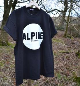 Image of ALPINE ROUND LOGO TSHIRT - BLACK