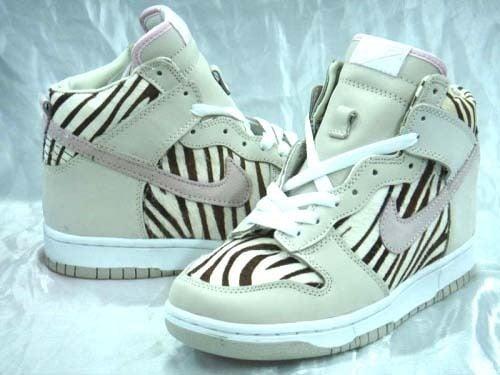 recibir Comprimido Florecer  SneakerFetishes - NIKE SB DUNKS, AIR JORDANS   AIR FORCE 1'S   AIRMAX —  [NEW] NIKE SB DUNK HIGH PREMIUM ZEBRA (LIMITED EDITION!)