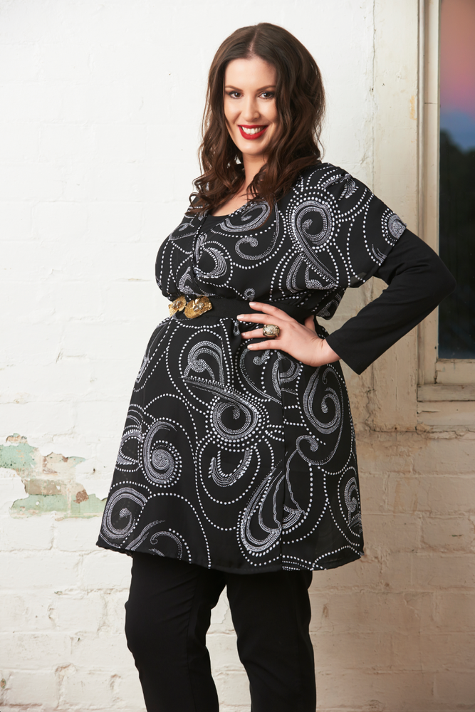 Image of Georgette Tunic Top - Black and White Graphic Print