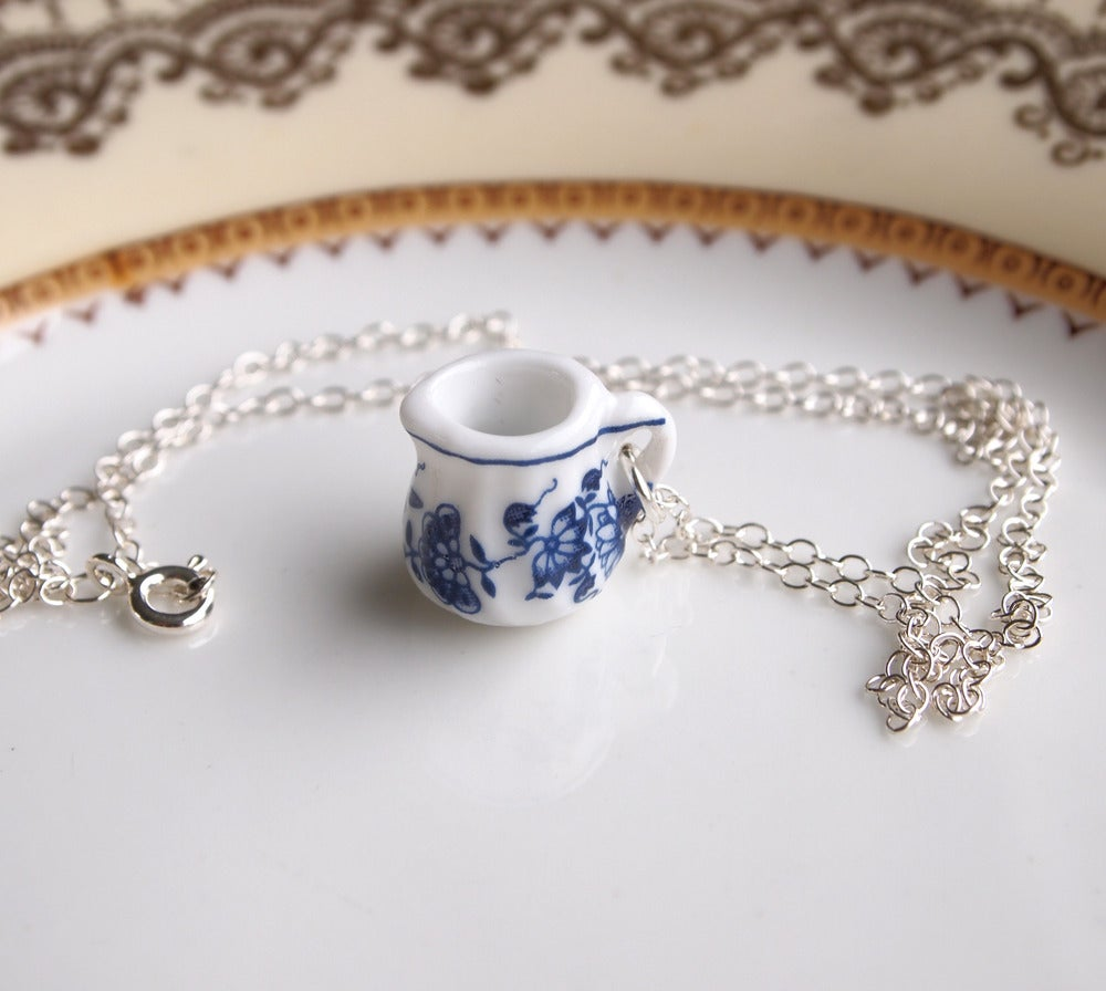 Image of blue willow jug necklace