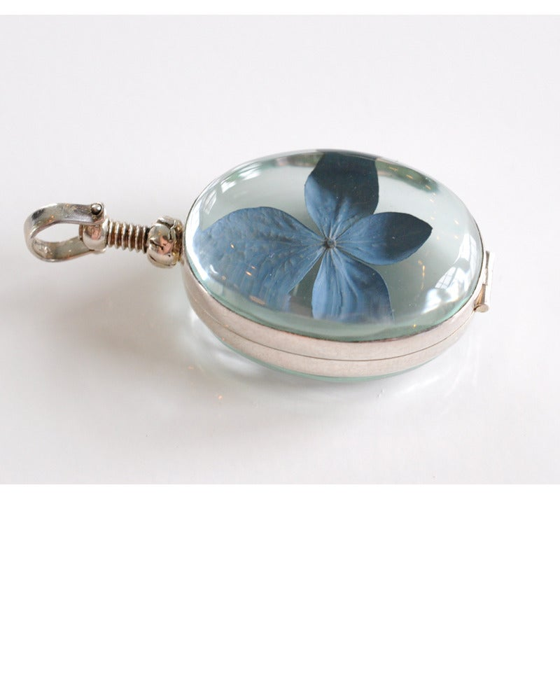 Image of Hydrangea Locket - Small / Oval or Heart