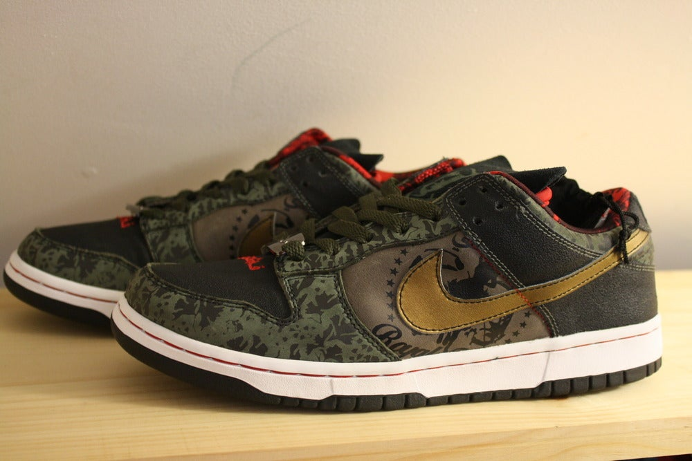 quality design 6c6e0 adf37 Image of Nike Dunk Low Premium SB x SBTG (Royale Fam) 2006