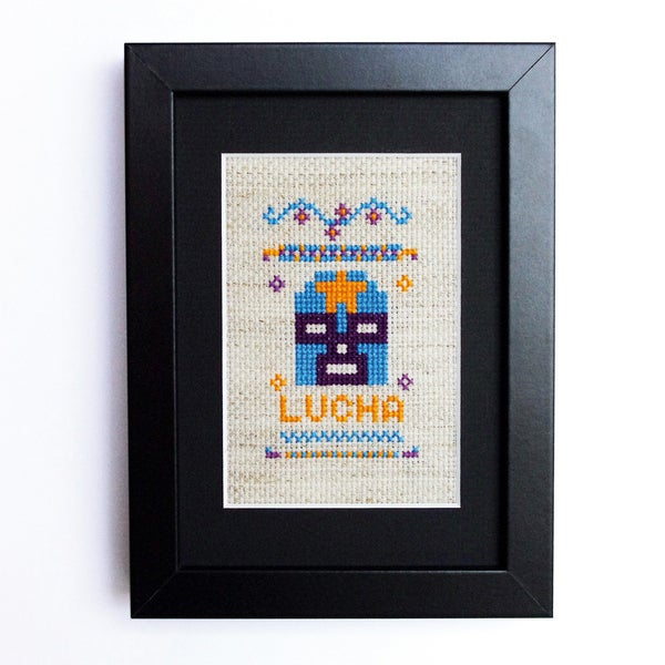 "Image of Broderie ""Lucha"" / point de croix"