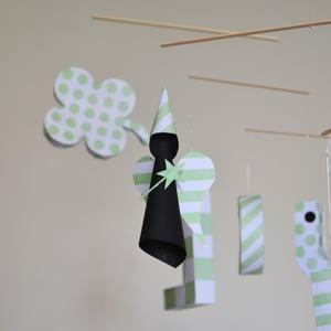 """Image of mobile """"Lucky"""" avec une étoile, une fée et un trèfle vert d'eau et noir"""