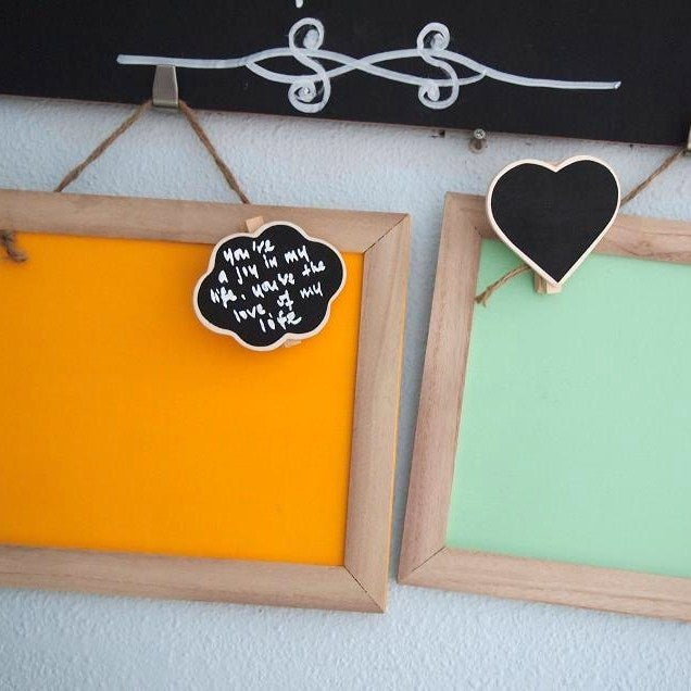 Cheerful Chalkboard with Natural Brown Frame (w chlkbd peg)