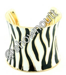 Image of Black/white pattern cuff