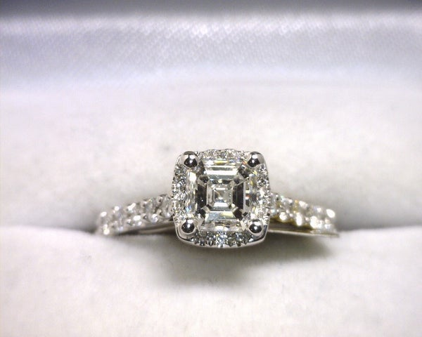 Image of 18K White Gold Diamond Engagement Ring (1.00CT Ascher Center)