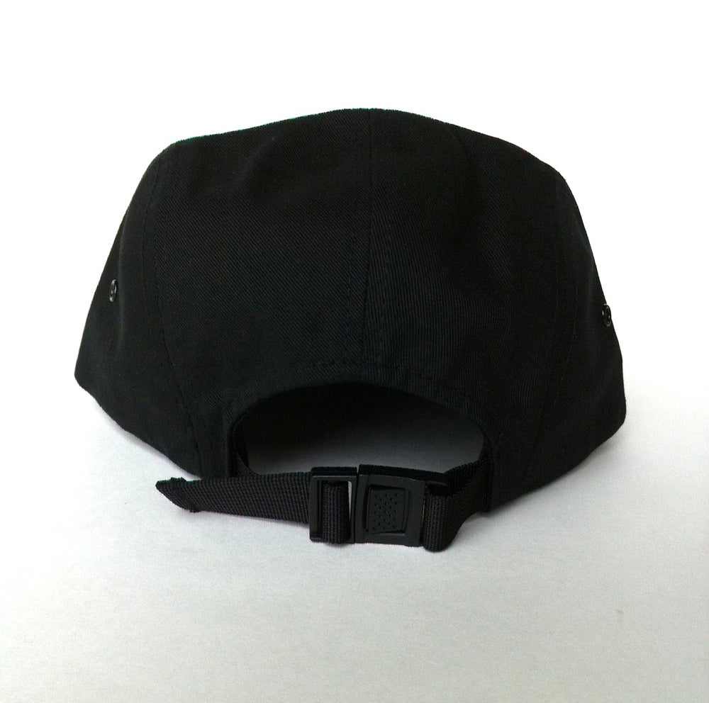 Image of Black 5 panel snapback hat
