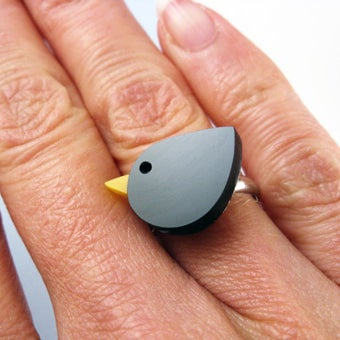 Image of A Bird in the Hand Bird Ring