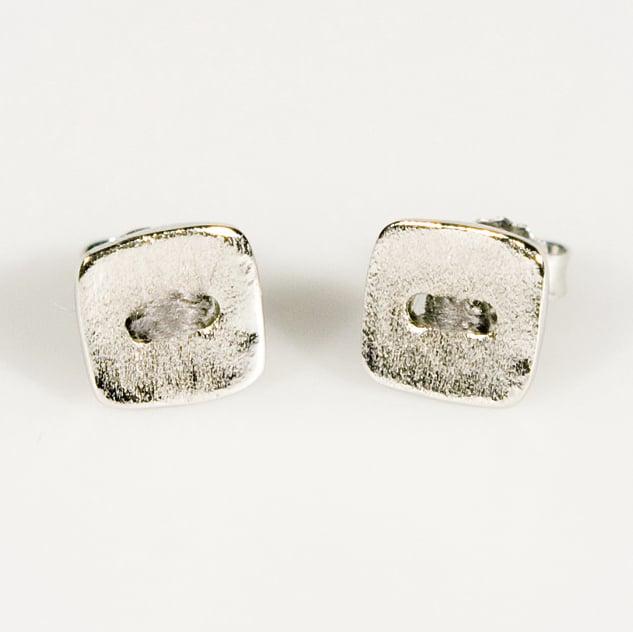 Image of Oorknoopjes vierkant met grijze draad, te Antwerpen, goudsmid, Antwerpen, juweelontwerpster
