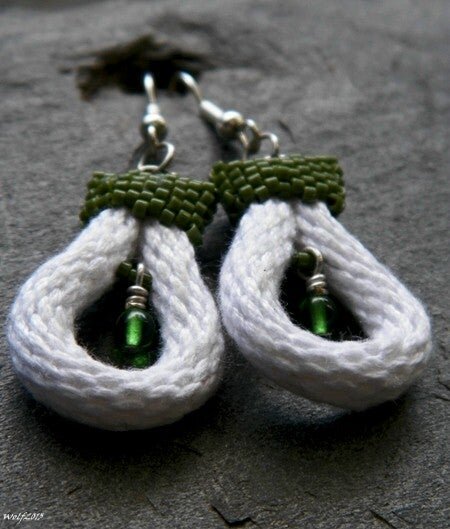 Image of Bit o' Green, handmade kumihimo earrings