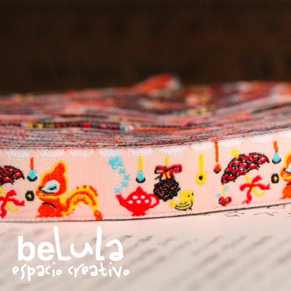 Image of Cinta de tela: Ardilla paraguas