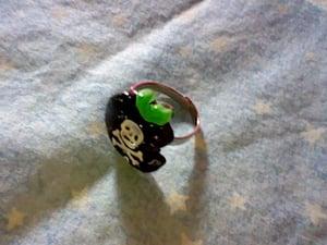 Image of Poison Apple Ring (Black)