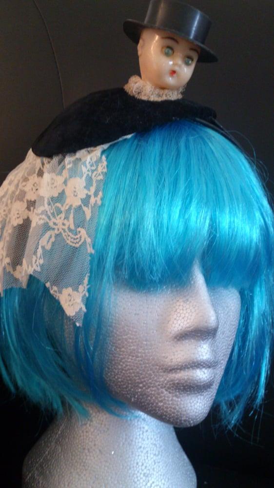 Image of Lace n Velvet Fascinator