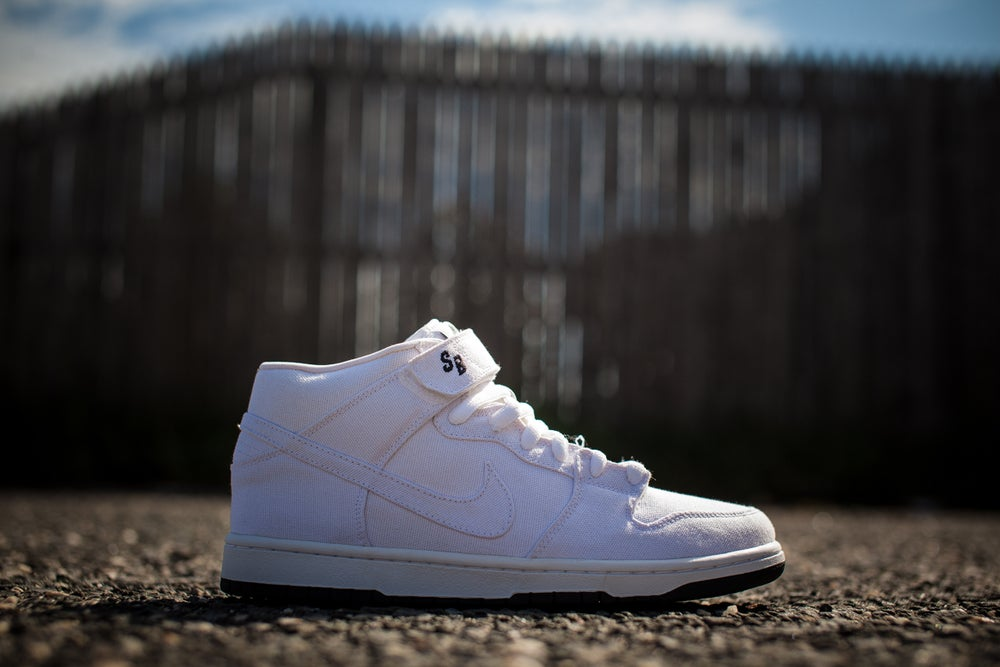 official photos fbcfd d30c0 Nike Dunk Mid Premium SB