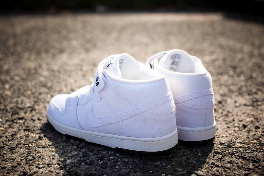 "Image of Nike Dunk Mid Premium SB ""Tokyo"" 314383 111"