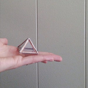 Image of Pyramid Display Box, mini