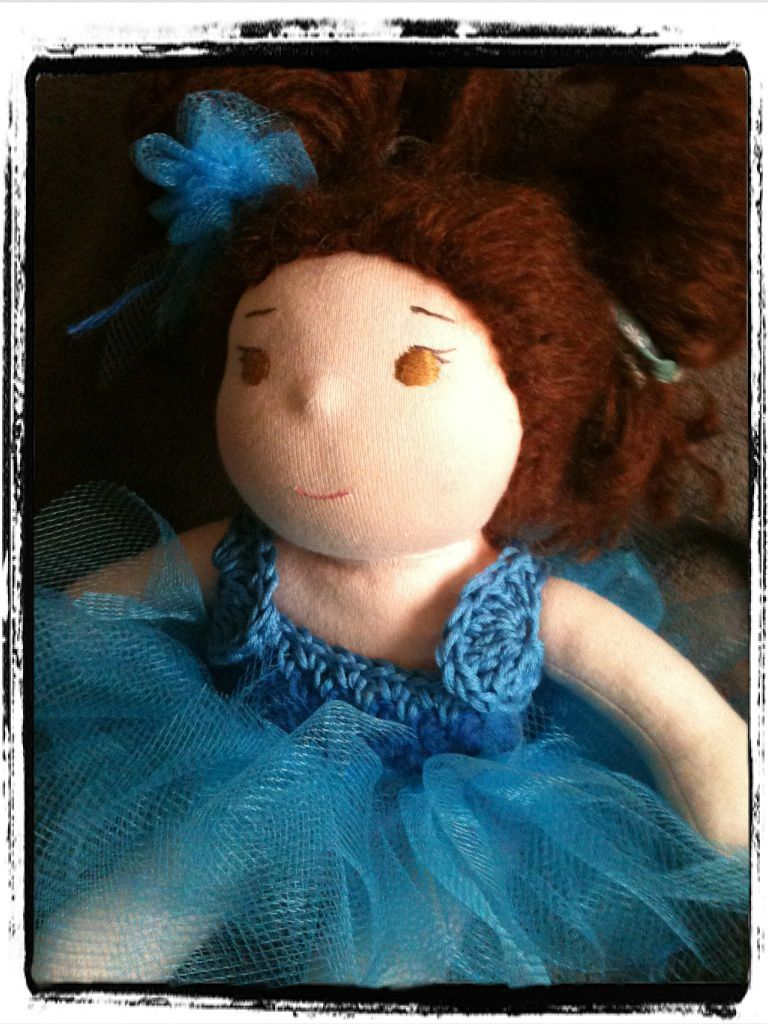 """Image of ensemble """"Flower Fairy"""" pour petite poupée"""