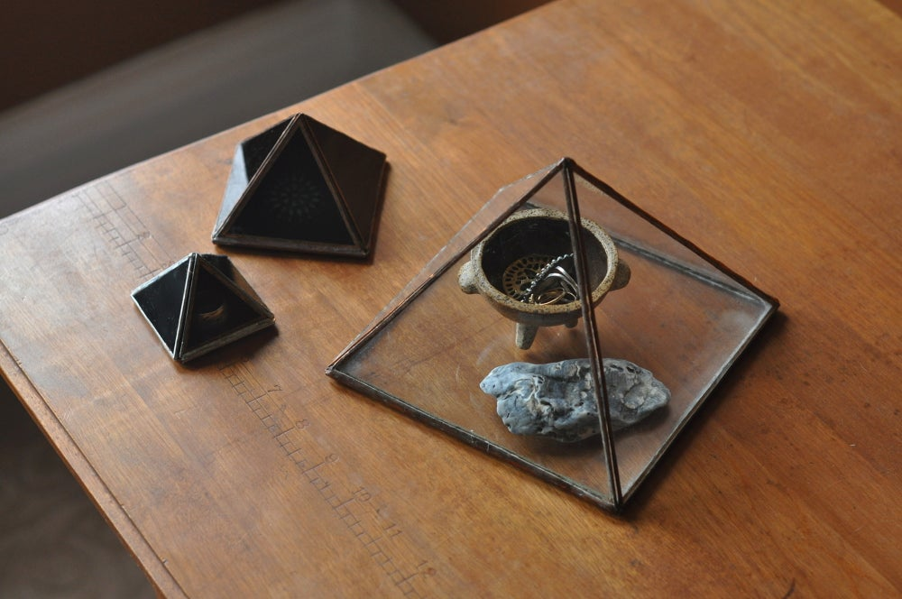Image of Pyramid Display Box, large