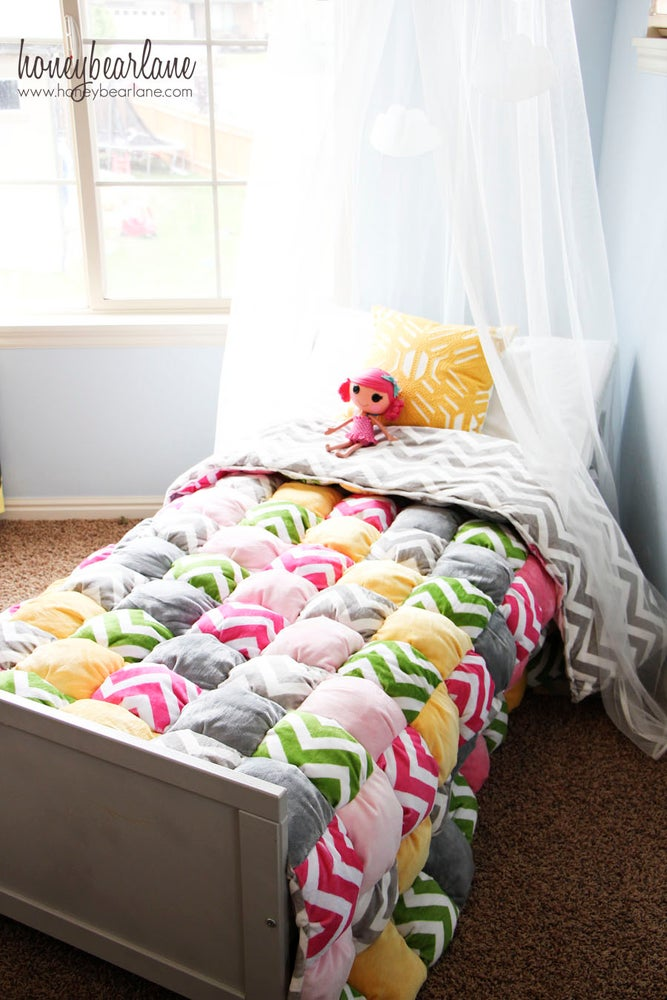 Image of Twin Size or Larger Puff Quilt Pattern