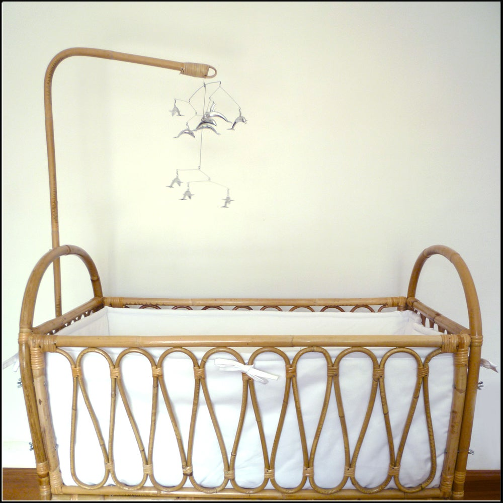 "Image of Minicuna de ratán vintage / ""Bamboo"""