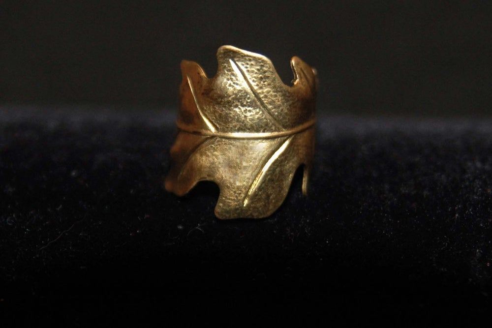 Image of Oak leaf ring in silver plated brass