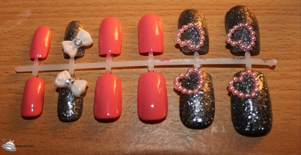 Image of Hearts and Bows hot pink false nail set