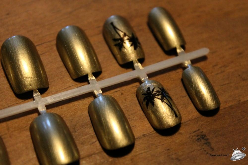 Image of Palm Tree gold foil effect false nail set