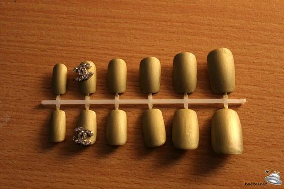 Image of Diamante matte gold false nail set