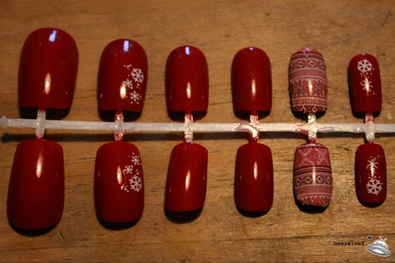 Image of Christmas Fairisle false nail set