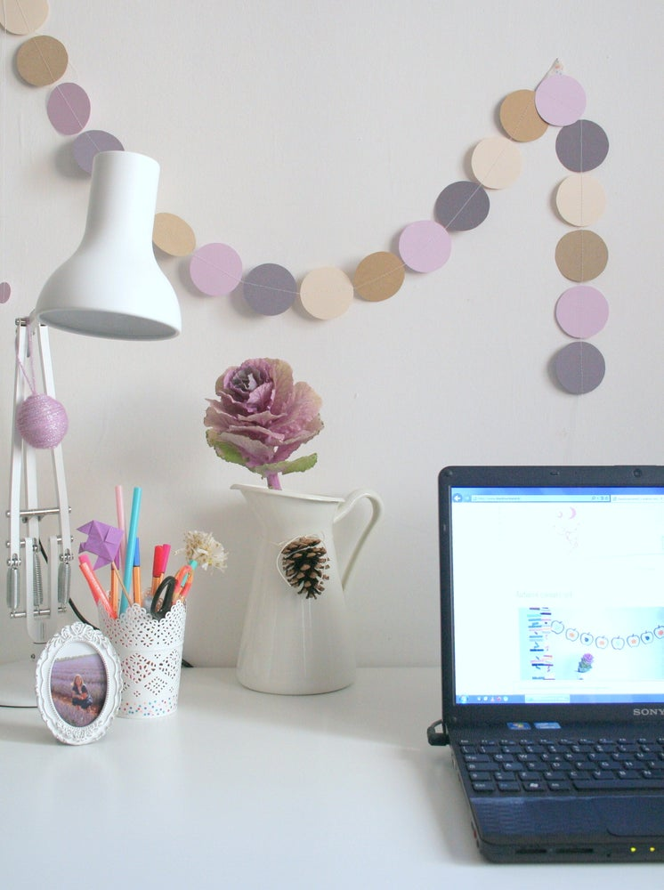Image of Soft Lilac Circle Paper Garland (SALE 30%)