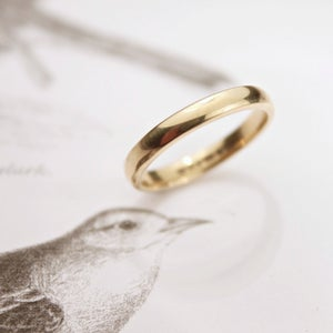 Image of 18ct gold 3mm plain court