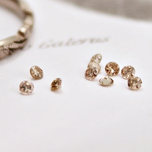 Image of 1.5mm brilliant~cut champagne diamond