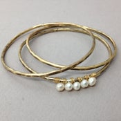 Image of Hammered Pearl Bangles