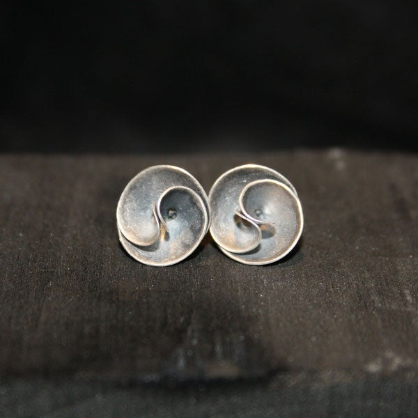 Image of One Pair of Twisted Earrings big