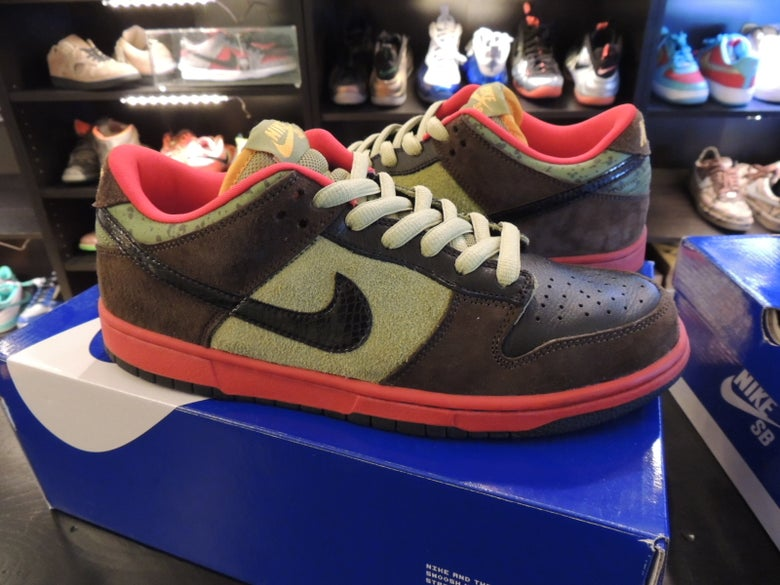 Image of Nike Dunk SB Low Premium Asparagus SZ9.5 US