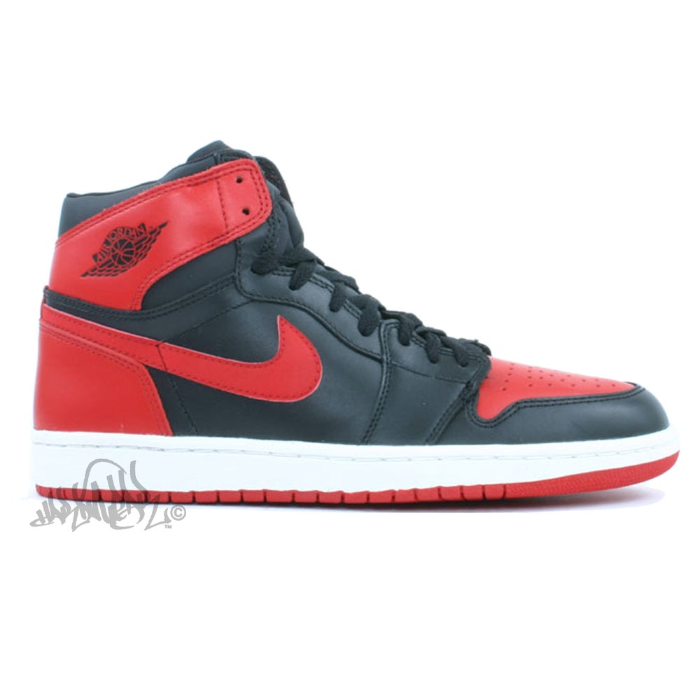 Image of AIR JORDAN 1 RETRO - BLACK / RED - 136066 061