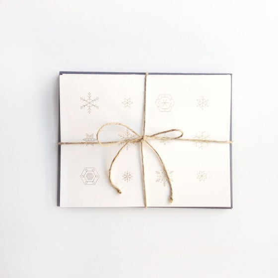 Image of Snowflake Card in Gold, Boxed Set