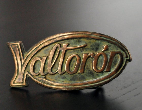 "Image of Buckle ""VALTORON"""
