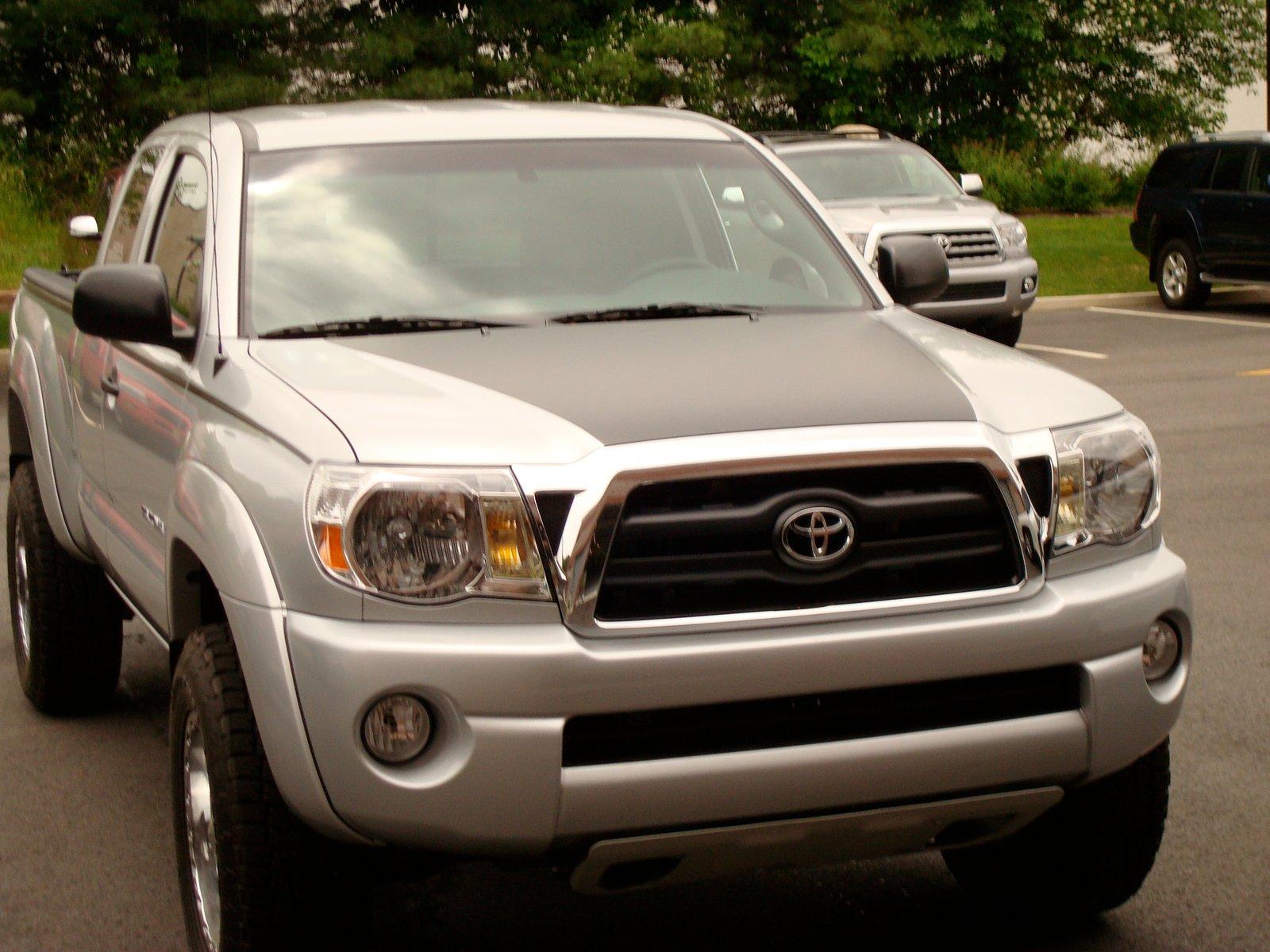 Toyota Tacoma Hood Blackout 2005-2011