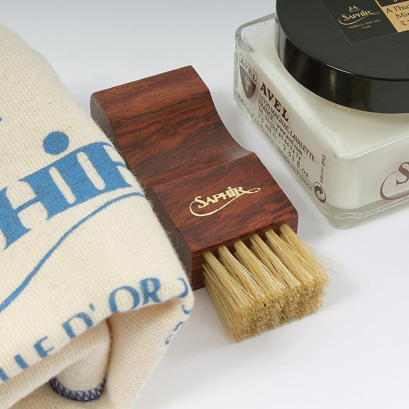 Image of Genuine Saphir® Renovateur Cleaning Kit