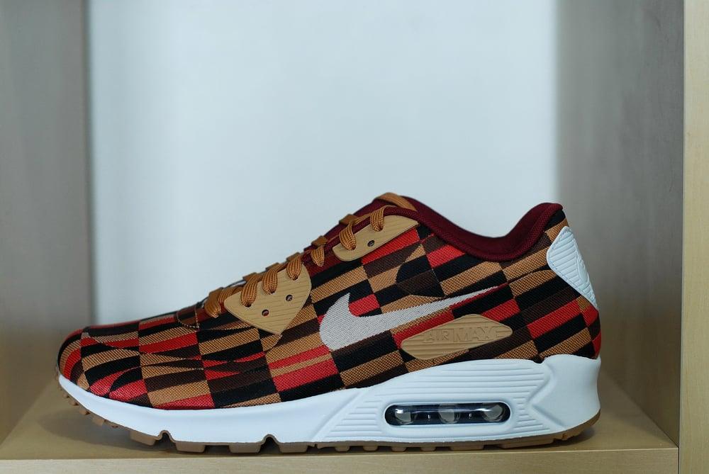 buy online fb7d5 f32b1 Nike x Roundel Air Max 90 - London Underground